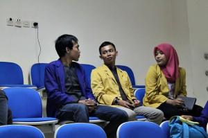Diskusi dengan Mahasiswa Universitas lain